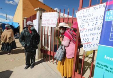 Médicos bolivianos completan 5 días de paro contra una ley que piden se anule